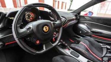 Ferrari 488 Pista - interior