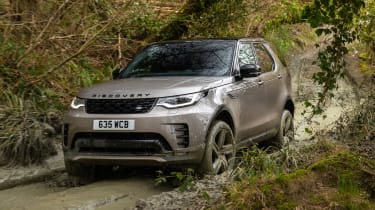 Land Rover Discovery - front off-road