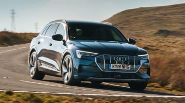 Audi e-tron - front/side cornering