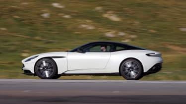 Aston Martin DB11 V8 - side