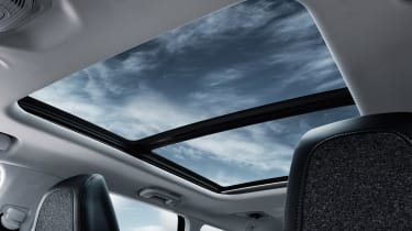 New Peugeot 5008 2016 - panoramic roof