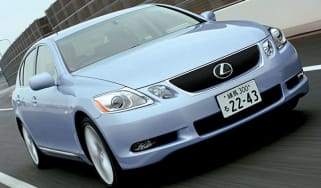 Front view of Lexus GS450h