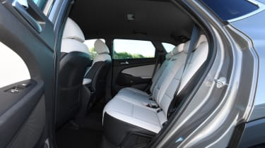 Hyundai Tucson 48v - rear seats