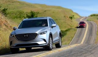 Mazda CX-9 2016 - driving