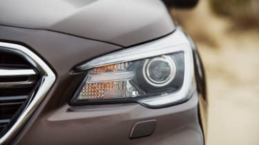 Subaru Outback passenger headlight