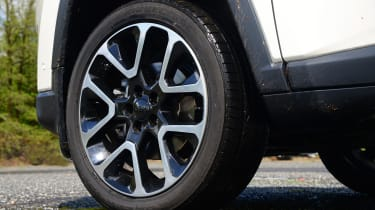 Jeep Compass - wheel