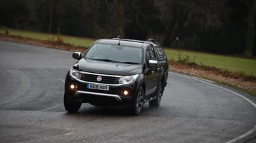 Fiat Fullback - front action
