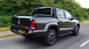 Volkswagen Amarok Dark Label - rear