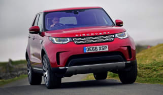 Land Rover Discovery - front cornering
