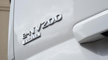 Nissan e-NV200 Combi - badge