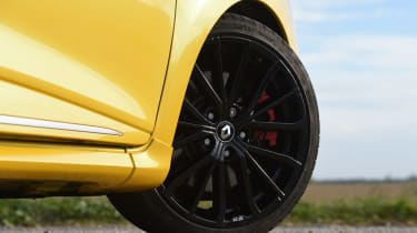Renault Clio RS 220 Trophy - wheel detail