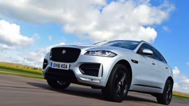 Jaguar F-Pace 2.0d R-Sport - driving