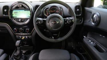 MINI Countryman S E plug-in hybrid - dash