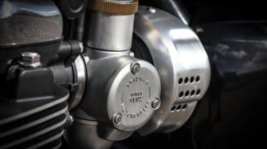 Triumph Bonneville T120 review - close up