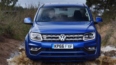 Volkswagen Amarok pick-up 2016 -  water