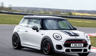 MINI John Cooper Works Challenge - cornering