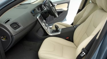 Used Volvo S60 - front seats