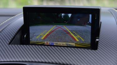 Aston Martin V12 Vantage S - screen