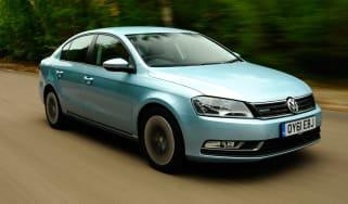 Volkswagen Passat BlueMotion front tracking
