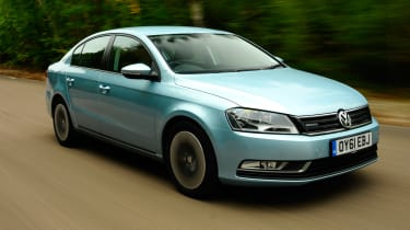 Volkswagen Passat BlueMotion front tracking
