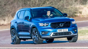 Volvo XC40 T5 Twin Engine - front cornering