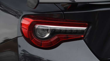 Toyota GT 86 2017 facelift - rear light
