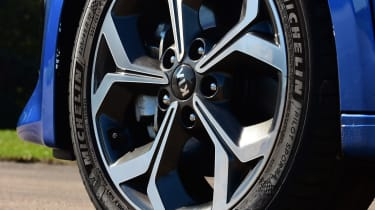 kia ceed alloy wheel