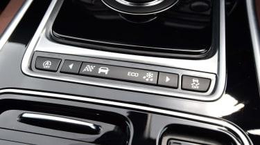 Jaguar XE - Settings