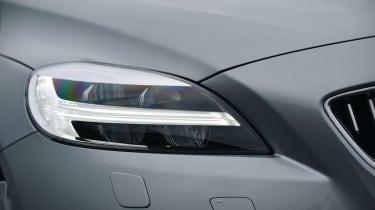 Volvo V40 2016 - headlight