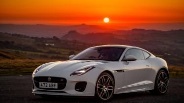 Jaguar F-Type Chequered Flag - front static