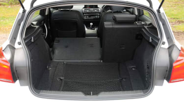 BMW 116d EfficientDynamics - boot seat down