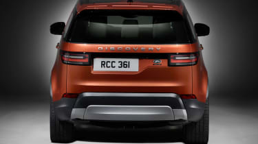 Land Rover Discovery 2017 - official studio rear 2