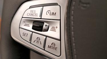 BMW 7 Series facelift - steering wheel