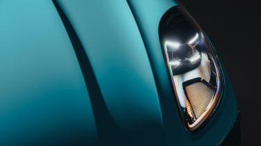 Porsche Macan - light