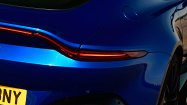 Aston Martin Vantage - rear light