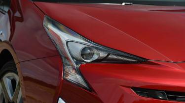 Kia Niro vs Toyota Prius - Kia Niro