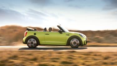 MINI Convertible - driving profile