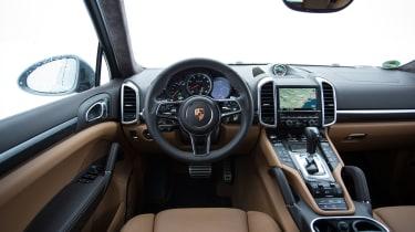 Porsche Cayenne Turbo S snow