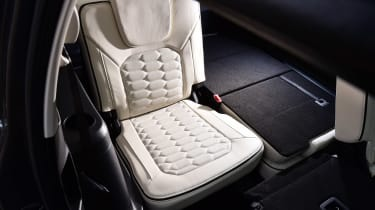 Ford S-MAX Vignale - back seat