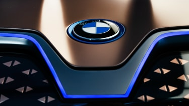 BMW Vision iNEXT concept - BMW badge