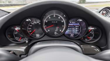 Porsche 911 Turbo S 2016 - instruments