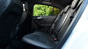 Ford Focus ST Mountune m365 - rear seats