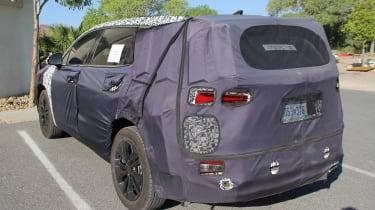 Hyundai Santa Fe spy shot rear quarter