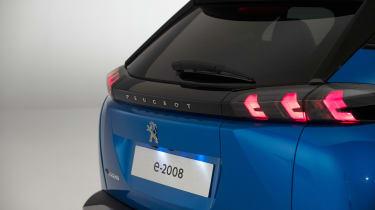 Peugeot e-2008 - rear detail
