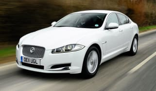 Jaguar XF 2.2 Luxury front tracking