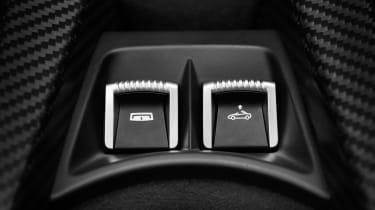 McLaren 765LT Spider - switches