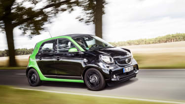 Smart ForFour Electric Drive driving