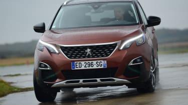 Peugeot 3008 brown - front cornering