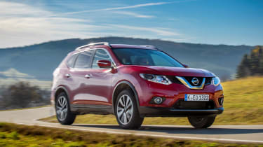 Nissan X-Trail 2.0 diesel - front action