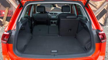 Volkswagen Tiguan 2016 - boot seats down